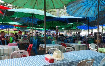 Garküche am Surin Beach auf Phuket in Thailand