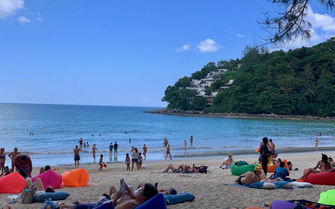 Kamala Beach auf Phuket in Thailand